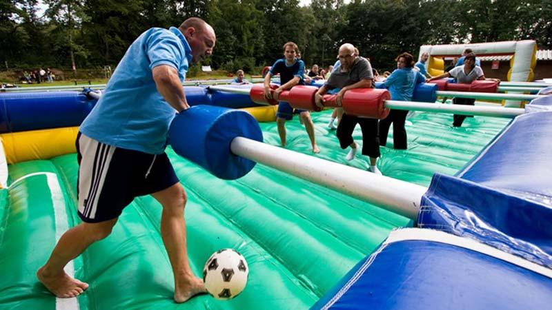 levend tafelvoetbal, drenthe, familiedag organiseren, buiten activiteit, drenthe
