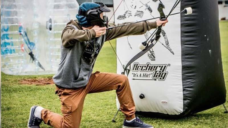 vrijgezellenfeest organiseren, vrijgezellendag, leuk sportief groepsuitje, groepsactiviteit, familiedag, Archery Attack